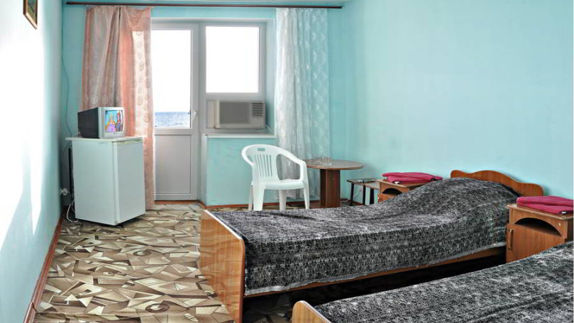 Двухместный номер в п. Новомихайловский— Отель «Торнадо»